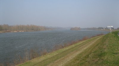 driving along the Loire