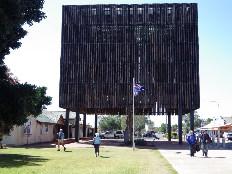 2013 Sep 5 Tree of Knowledge at Barcaldine 1