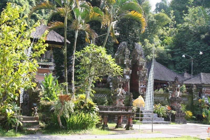 large_02010_03_18.._tempel.jpg