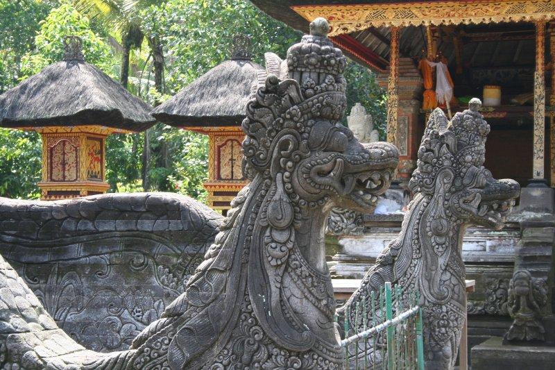 large_82010_03_18.._tempel.jpg