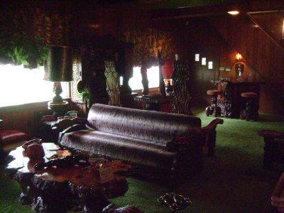Graceland_..le_room.jpg