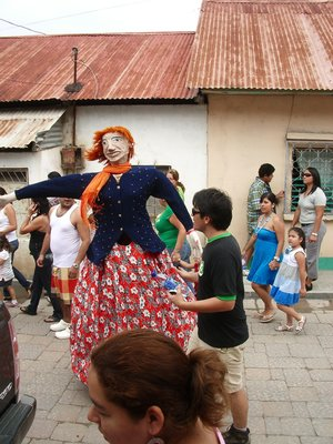 Th dancing doll of the Feria