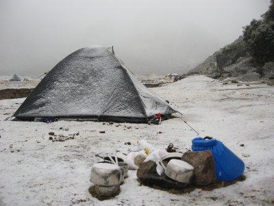 Schnee im Basislager
