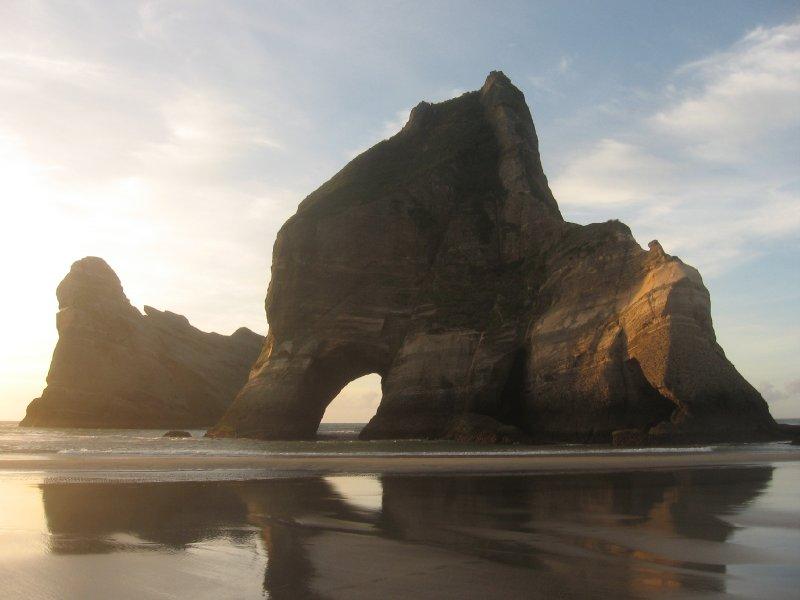 Wharariki-Beach (2)