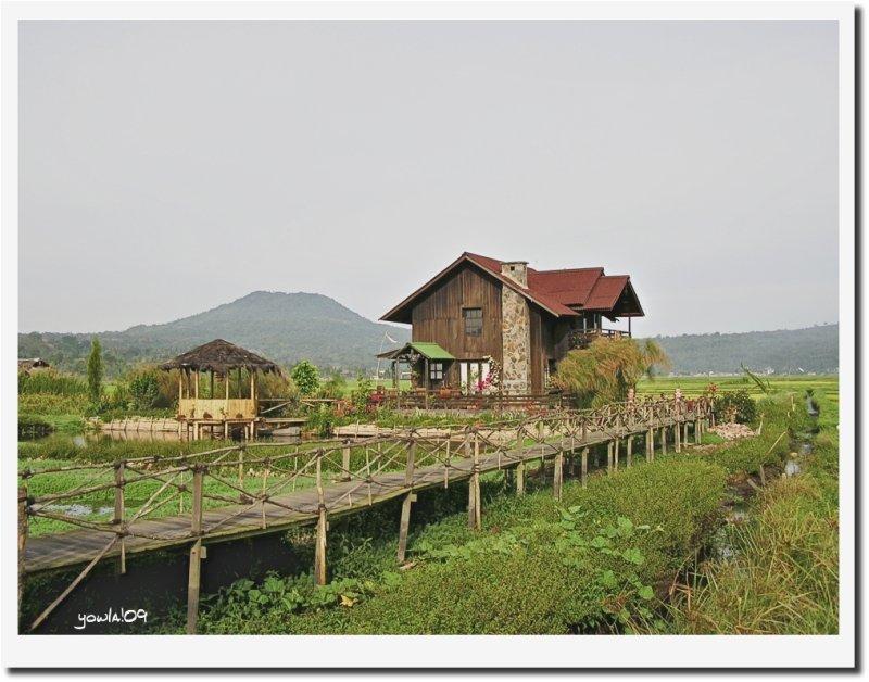 Tondano Cottage