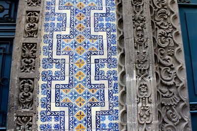 Tiles aren 39 t just for bathrooms wherever life takes us for Casa azulejos mexico