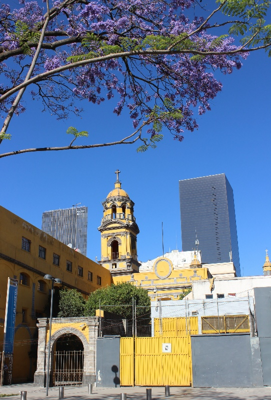Old and new architecture in Mexico City