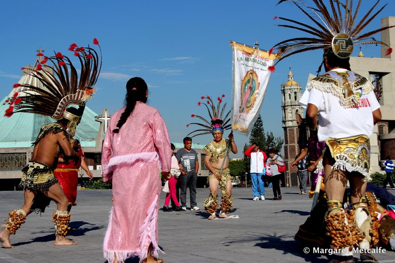 Aztec Indian dancing at the the Basilica