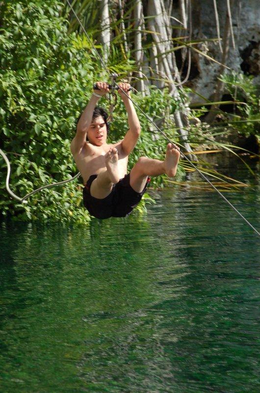 Ziplining in Aukumal