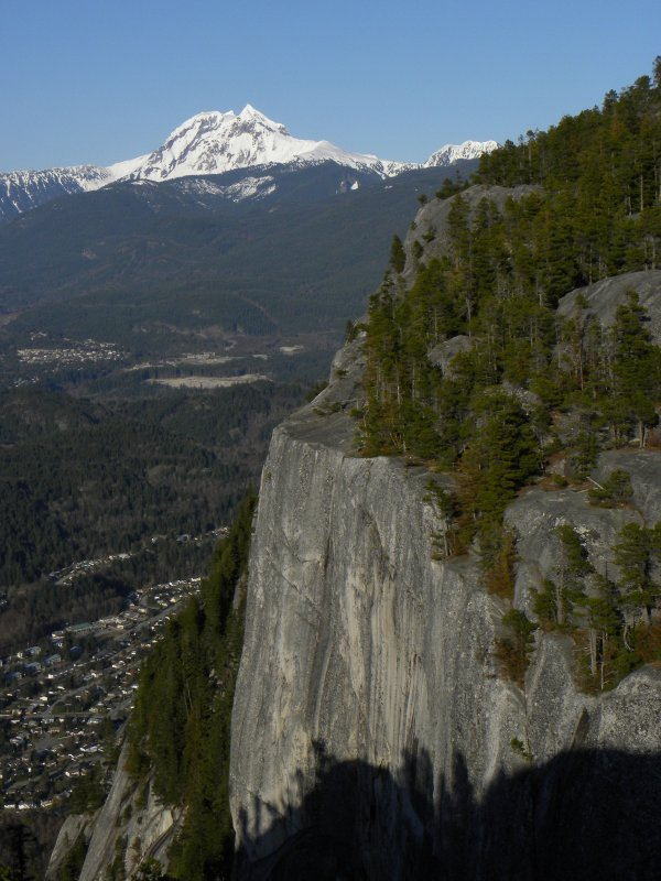 Squamish, 2nd Peak and distant mountains