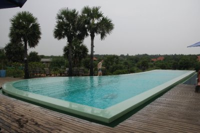 1000 R pool