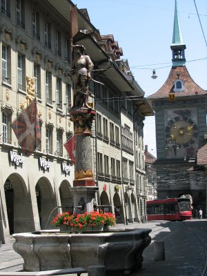 118i__Bern_Fountain.jpg