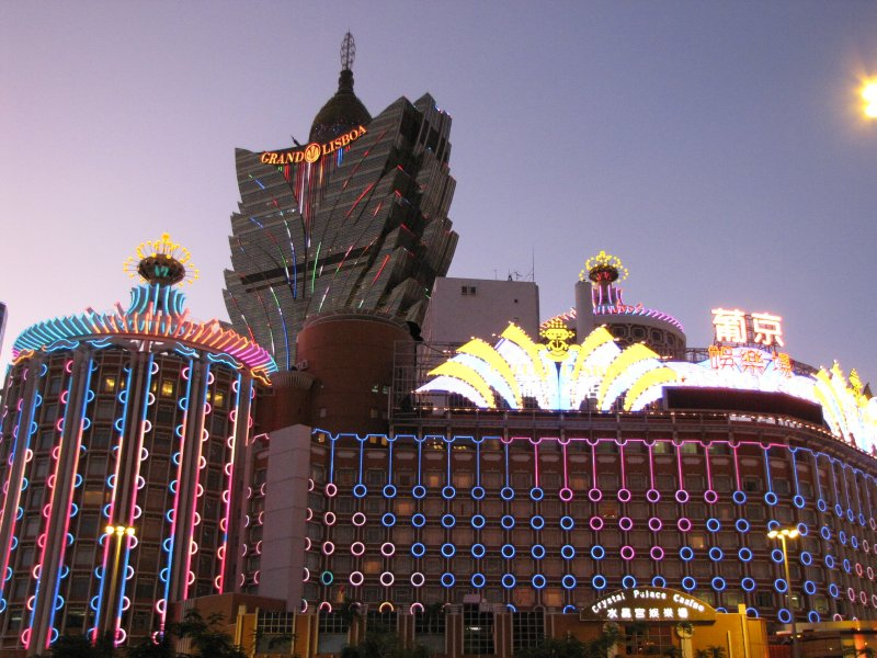 large_D1e_15_casinos.jpg