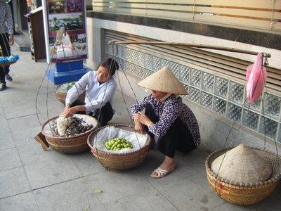 Street vendors, Hanoi