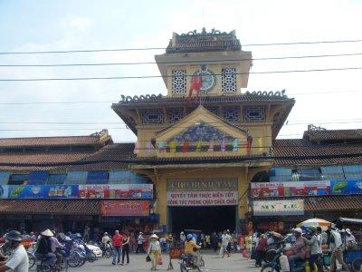 Binh Tay Market, Cholon