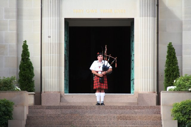 Bagpipes at the ANZAC Memorial