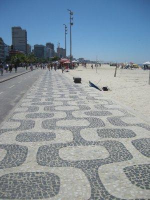 GRoovy footpath at Ipanema