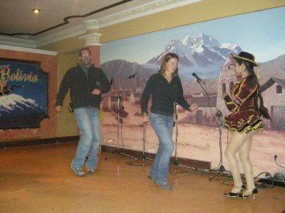 La Paz - 'Dancing' at the Pena