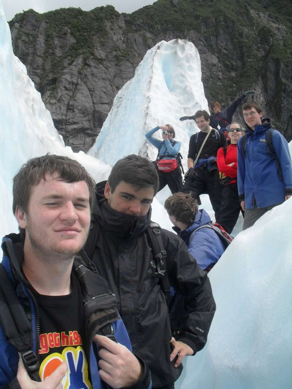 Group pic on the glacier