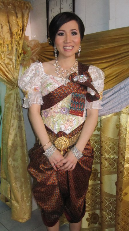 Khmer traditional bride dress