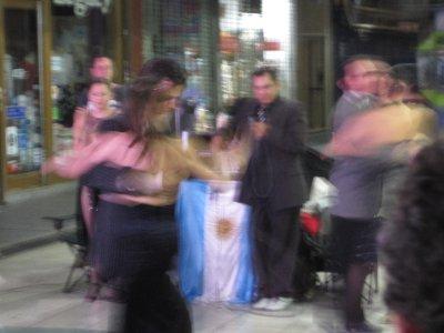 La Tango in the Street