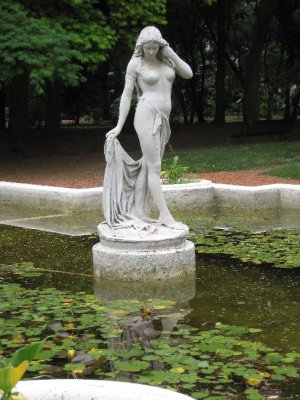 The Buenos Aires Botanical Gardens - I have never been to New Orleans, but I imagine that it looks a lot like this