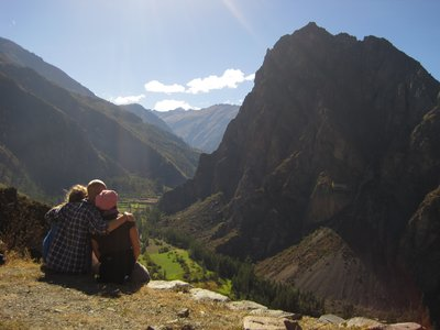 3 amigos looking down on Ollantaytambo