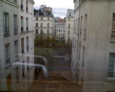 Apartment on Rue Jarente, Paris   March 31, 2011 003