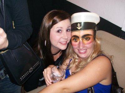 Jennifer, Christina, The Pub