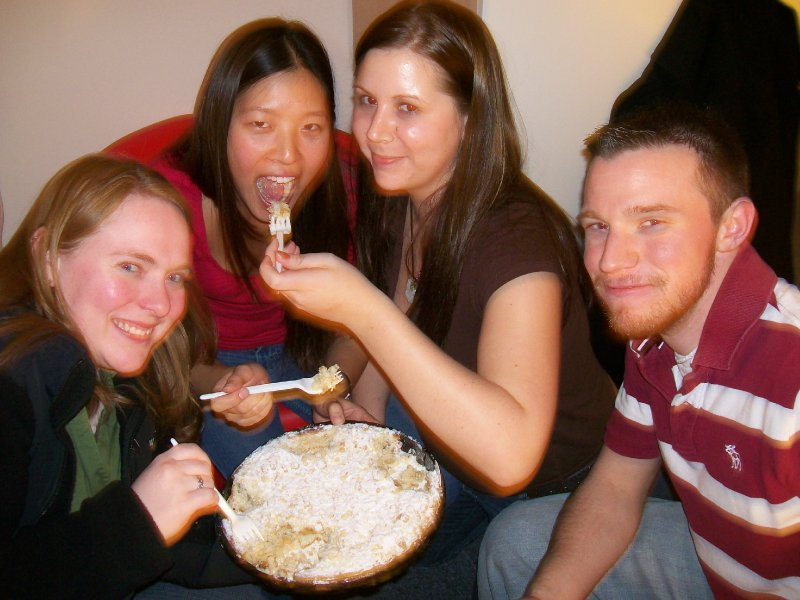 Meladi, Jinny, Jennifer, Aaron feeding each other pie