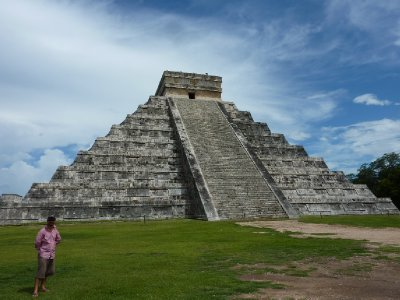 8_Mighty_Chichen_Itza.jpg