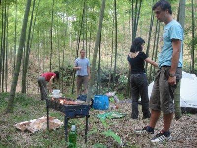bbq im bambuswald