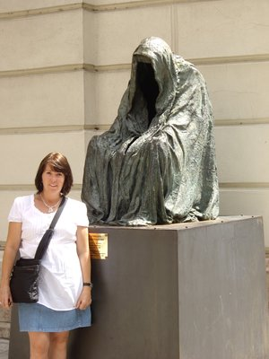Anna in Prague with sculpture