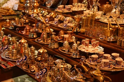 Pots and other Turkısh goods