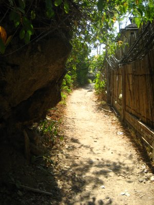 Walking Street that connects the East and West Railay Beach
