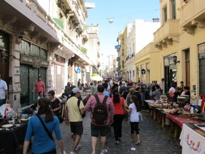 The crowds of San Telmo markets