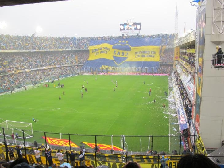 Boca stadium, alive and waiting for the players to arrive
