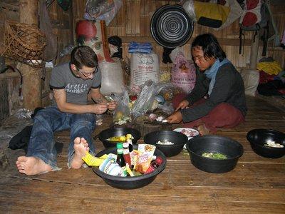 Les hommes cuisinent