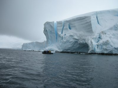 Zodiac- Souh of the Antarctic Circle- Hannusse Bay, Hanson Island