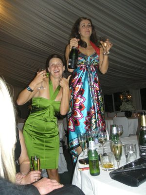 Sarah and Lucy 'get jiggy with it'