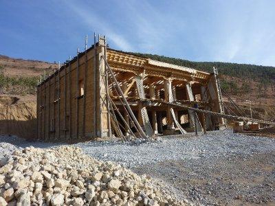 Tibetan house building