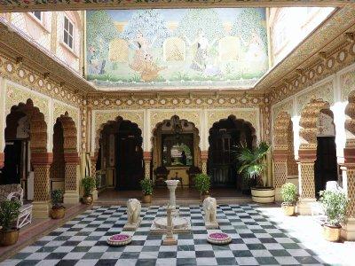 Bissau Palace lobby