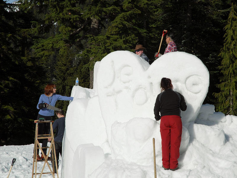 Valentine's day snow sculpture