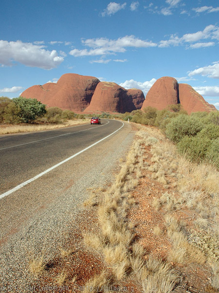 The Road to Kata Tjuta