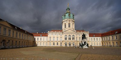 Schloss Charlottenburg catching the light