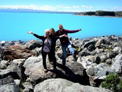 Lake Pukaki, me, Suze and Sylvia