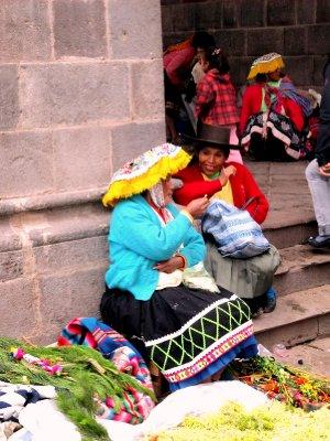 christmas Eve indiginous market in plaza de Armas