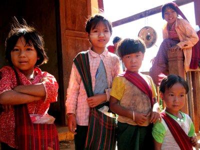 Pa-O tribe children