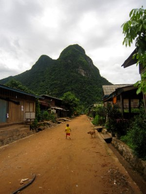 Rush hour in Muang Ngoy village
