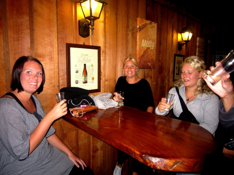 The three Swedish girls, SKAL